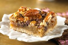 Chocolate Pecan Pie Bars | Snackpicks - Ideas to Snack On