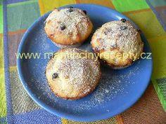 Tvarohové muffiny... a místo čokolády nasekat višně v čokoládě!!! Muffins, Breakfast, Food, Morning Coffee, Muffin, Essen, Meals, Yemek, Eten
