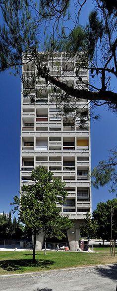 Le Corbusier Unité d'Habitation 2 #architecture #midcenturymodern