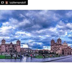 FOTO @luizfernandotf  Plaza de Armas - Cusco - Peru. . . . #visitperu #vontadedeviajar #travel #travelphotography #travelphoto #travelphotographer #cliquemais #cameraemfoco #folkgood #oslugares #oslugares #olhareseimagens #rededefotografos #insta_pensadores #mostreseuolhar #exploreworld #worldplaces #respirofotografia #visitsouthamerica #experienceperu #seumelhorclick #travelsouthamerica #destinosimperdiveis #streetphotography #streetphoto #urbanphotography #mochileiros #instadozamigos…