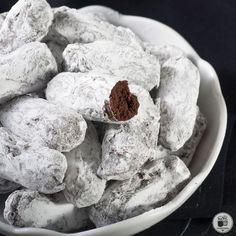 Μπαστουνάκια σοκολάτας με ζάχαρη άχνη