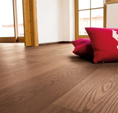 mafi is your specialist for natural wood floors. Our floors are produced in Austria, completely organic and individually tailor-made for each client. Engineered Hardwood Flooring, Hardwood Floors, Natural Wood Flooring, Floor Stain, Black Floor, Plank, Woods, Chair, Design