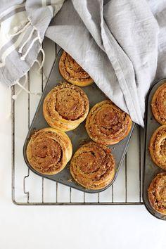 Drømmekagesnegle – En Madblog Danish Food, Foodies, Pancakes, Muffin, Snacks, Baking, Breakfast, Desserts, Salt