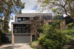 By recontexualising the original brickwork of this Melbourne family home, Inbetween Architects inject a sense of history in this now contemporary home.