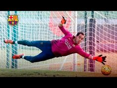 Claudio Bravo is about to complete his second season with FC Barcelona. He's proven himself to be a strong guarantee between the posts, with fine performance. Claudio Bravo, Working Hard, Fc Barcelona, Training, Youtube, Fo Porter, Work Hard, Fitness Workouts, Gym