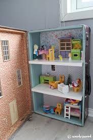 Znalezione obrazy dla zapytania dollhouses miniatures in suitcase
