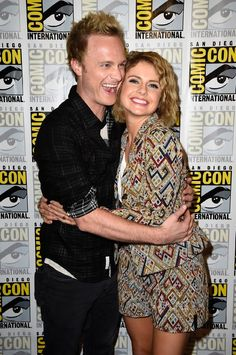 Rose McIver and David Anders at ComicCon #iZombie