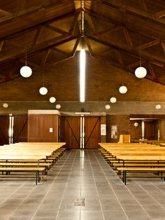 MBM. Iglesia del Redentor. 1957-1968 PA210781_1 Meeting Hall, Wood Truss, Church Design, Romanesque, Barcelona, Exterior, Architecture, Building, Amazing