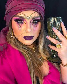 """rafa dettenborn 🐆 on Instagram: """". ⭐️ um brinde com as lágrimas dos haters ⭐️ ✨ y las mujeres somos las de la intuición✨ mais uma vez minha amiga e maquiadora  arrasando na…"""" Halloween Inspo, Halloween Makeup Looks, Easy Halloween Costumes, Halloween 2019, Halloween Make Up, Halloween Party, Halloween Elegante, Gypsy Fortune Teller, Fortune Teller Makeup"""