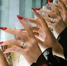 Max Factor, Seventeen magazine, November All about bubbles, diamonds, and red nails Max Factor, Seventeen Magazine, Peach Nails, Red Nails, Pink Nail, Estilo Gigi Hadid, Pin Up, Mejor Gif, Champagne
