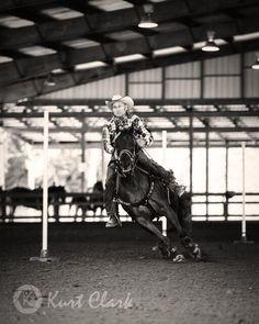 Go hard and go fast! #Photography #horse #quarterhorse @Lee Ann Vaughan #horseshows #showhorse #cowboy pic.twitter.com/r1Thg6rkhD