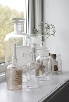 Antique bottles and jars, a fresh display idea for any home. Apothecary Bottles, Antique Bottles, Vintage Bottles, Bottles And Jars, Glass Bottles, Antique Glass, Mason Jars, Perfume Bottles, Perfume Vintage