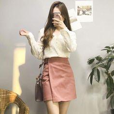 0e0a4de61 Great korean summer fashion #koreansummerfashion Saia E Blusa, Roupas  Coreanas, Inspiração De Looks