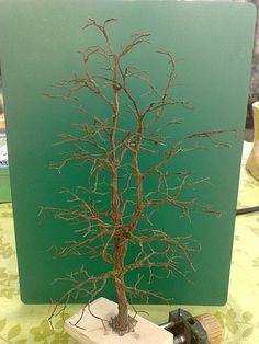 Tree construction — Building_a_ oak_ using the wire drilling method - Modern Wargaming Table, Wargaming Terrain, Miniature Christmas Trees, Miniature Trees, Warhammer Terrain, 40k Terrain, Bonsai Wire, Model Tree, Mason Jar Lanterns