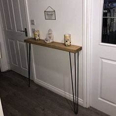 Narrow console table with hairpin legs wooden rustic hallway Rustic Hallway Table, Rustic Console Tables, Narrow Console Table, Entryway Tables, Tables Étroites, Hallway Designs, Hairpin Legs, Modern Country, Diy Table