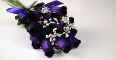 So very pretty! Love them  The Official Website of Jewelry Candles - Soy Candles With Jewelry - Scented Deep Purple Dozen Ring Roses - Choose your own ring size with