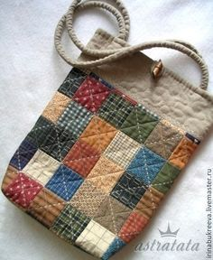 Sewing bags and purses tutorial gifts 54 ideas for 2019 Quilted Tote Bags, Patchwork Bags, Small Sewing Projects, Sewing Crafts, Pinterest Patchwork, Purse Tutorial, Handmade Purses, Bag Patterns To Sew, Denim Bag