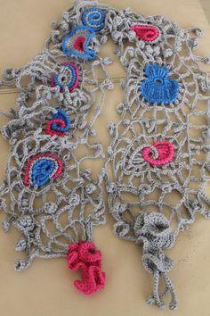 Chic Boho Hippie Freeform Crochet Scarf por levintovich en Etsy