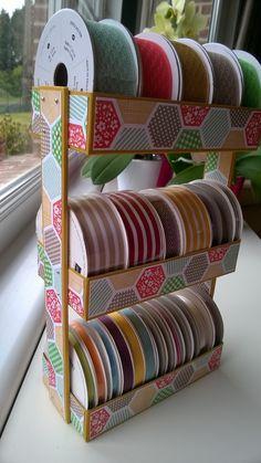 Comment ranger ses rubans Craft Room Storage, Storage Ideas, Bunk Beds, Scrap, Magic, Crafts, Furniture, Home Decor, Cartonnage