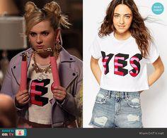 Chanel 5's 'YES' top on Scream Queens.  Outfit Details: http://wornontv.net/53048/ #ScreamQueens