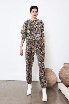 c8b6f3e8083f JOGGER Green Leopard in 2019 | fashion | Fashion joggers, Leopard ...