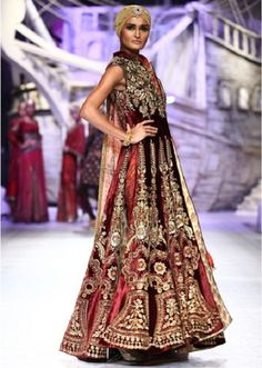 Bridal Outfits by JJ Valaya, traditional wedding, Indian Bride, straight from the ramp
