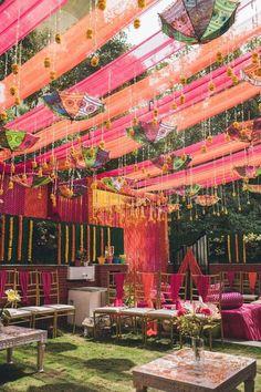 Desi Wedding Decor, Wedding Mandap, Outdoor Wedding Decorations, Party Wedding, Wedding Receptions, Wedding Ideas, Garden Wedding, Wedding Planning, Dream Wedding