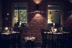 #Interieurontwerper #Stef Bakker is verantwoordelijk voor de inrichting van #Bo Cinq. Samen met mede-eigenaar #Casper Reinders reisde hij naar #Parijs om interieurinspiratie op te doen. De Franse vintage sferen zijn duidelijk terug te zien in de decoratie van het #restaurant zoals de sierlijke meubels en de robuuste stenen #muren (#brickwalls ).