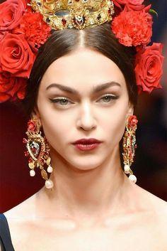 Dolce &Gabbana Sacro Curoe Earrings