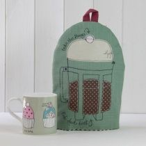 Poppy Treffry - Designer Maker of Textile Accessories - Bags, Purses, Cushions, Home Decor, Gifts Oil Cloth Fabric, Scandi Christmas, Big Coffee, Printed Cushions, Gifts For Mum, Vintage Fabrics, Cloth Bags, Vintage Tea, Home Decor Inspiration