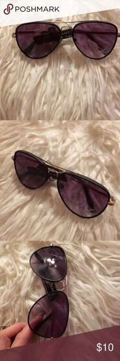 e6c63ba67 Foster Grant sunglasses NWT ! Be trendy in these shades for Spring and  Summer!