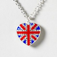 Union Jack Heart Necklace- have one just like this! Girls Accessories, Jewelry Accessories, Body Jewelry, Jewlery, Union Jack, Fashion Jewelry, Pendant Necklace, My Style, British