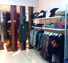 Trench, pantalones, jerseys, vestidos.. Todo lo necesario para esta temporada. en LM Boutique. En Errenteria.