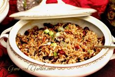 Wild Rice with Pecans, Cranberries, and Scallions. You wouldn't have heard that from me years ago.replace meat proteins such as red meat, cheese, eggs. Wild Rice Recipes, Real Food Recipes, Healthy Recipes, Veggie Dinner, Veggie Pasta, Sprouts With Bacon, Vegetable Sides, Light Recipes, Thanksgiving Recipes