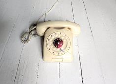 Guarda questo articolo nel mio negozio Etsy https://www.etsy.com/listing/194671622/sale-vintage-retro-1968-lm-ericsson