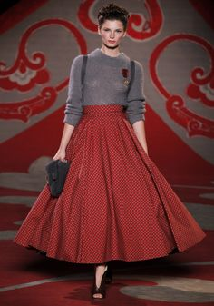 Ulyana Sergeenko, défilé couture automne-hiver 2012-2013  skirt + pullover yum yummy !