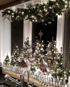 Inspiring Christmas Apartment Decor Ideas You Must Try This Year – Christmas is … – The Best DIY Outdoor Christmas Decor Noel Christmas, Country Christmas, Winter Christmas, Christmas Crafts, Classy Christmas, Christmas Lights, Christmas Decorations For Windows, Snowman Crafts, Christmas Cooking