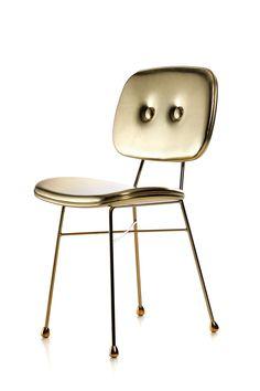 Golden Chair by Nika Zupanc.  Opvallend, luxueus, praktisch.