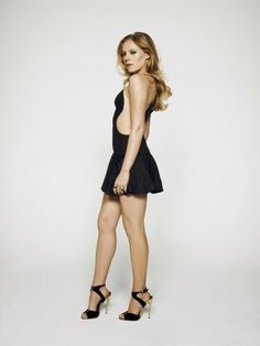 Emma Bell, Walking Dead's Amy in the first season, is really quite a strong woman with very feminine ways. Hollywood Celebrities, Sexy Legs, Strong Women, Nice Tops, Women Wear, Mini Skirts, Beautiful Women, Feminine, Celebs