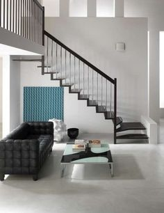 Fancy - Quarter-turn staircase with modular central modular stringer for small spaces