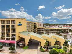 Virginia Beach (VA) Days Inn Virginia Beach At The Beach United States, North America Days Inn Virginia Beach At The Beach is a popular choice amongst travelers in Virginia Beach (VA), whether exploring or just passing through. The property features a wide range of facilities to make your stay a pleasant experience. To be found at the hotel are car park, elevator, shops, disabled facilities, Wi-Fi in public areas. Hair dryer, coffee/tea maker, microwave, jacuzzi bathtub, ironi...