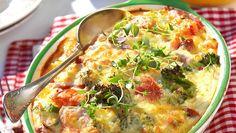 Superenkla korvgratängen med broccoli | Allas Recept Cheeseburger Chowder, Quiche, Broccoli, Bacon, Soup, Breakfast, Recipes, Recipies, Recipe