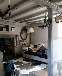ldellfood-design:cottage sitting room. via desire to inspire.