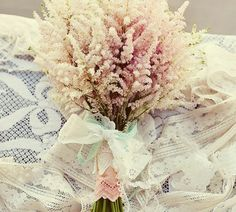 vintage look floral bouquets | Simple vintage look | Wedding Flower Arrangements