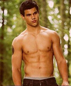 Taylor Lautner as Jacob Black (Twilight) Twilight Jacob, Twilight Saga Series, Twilight Movie, Taylor Lautner, Dawson Crece, Pretty Woman, Hottest Male Celebrities, Hommes Sexy, New Moon