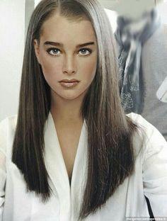 10 Beauty Medium Length Hair Cuts – Medium Hair Trends for Women - Cool Global Hair Styles 2019 Women Haircuts Long, Girl Haircuts, Medium Hair Cuts, Medium Hair Styles, Long Hair Styles, Long Hair Cuts Straight, Straight Hairstyles, New Haircut For Girl, Brooke Shields Young