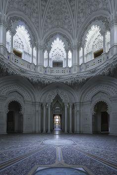 Sumptuous Abandoned Castel Photography – Fubiz Media