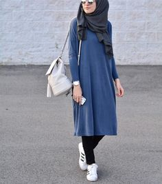 Ladies can appreciate hijab fashion inside of the Islamic law. Hijab design may fluctuate by fabric,. Modern Hijab Fashion, Muslim Women Fashion, Street Hijab Fashion, Hijab Fashion Inspiration, Islamic Fashion, Modest Fashion, Fashion Outfits, Classy Fashion, Party Fashion