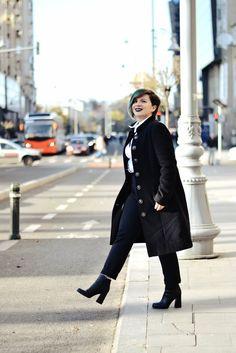 Coat/Palton - Giorgal   Lingerie/Lenjerie - HERE   Pants/Pantaloni - Mango Shirt/Cămașă - second hand   Boots/Botine - Deichmann Photo cr...