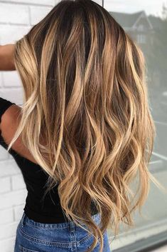 32 Styles With Blonde Highlights To Lighten Up Your Locks Thinking about going blonde but not sure if you are ready to go platinum? Here are the best styles for blonde highlights for inspiration. Hair Color Dark, Ombre Hair Color, Brown Hair Colors, Cool Hair Color, Blonde Color, Golden Hair Color, Blonde Hair Looks, Brunette Hair, Going Blonde From Brunette